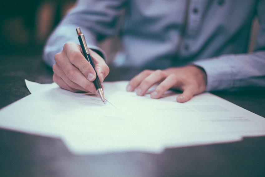 Profesjonalne usługi prawnicze – do kogo należy się zgłosić?