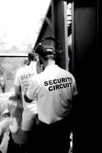 Na co może pozwolić sobie ochroniarz bez licencji?