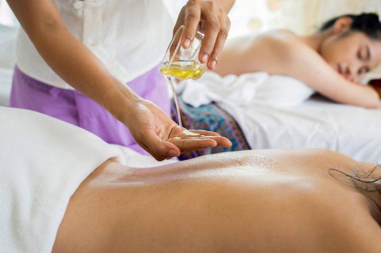 Co powinniśmy ze sobą zabrać na masaż do SPA?